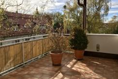 Vermietung: Großzügige Dachgeschoss-Maisonette Wohnung in begehrter Wohnlage