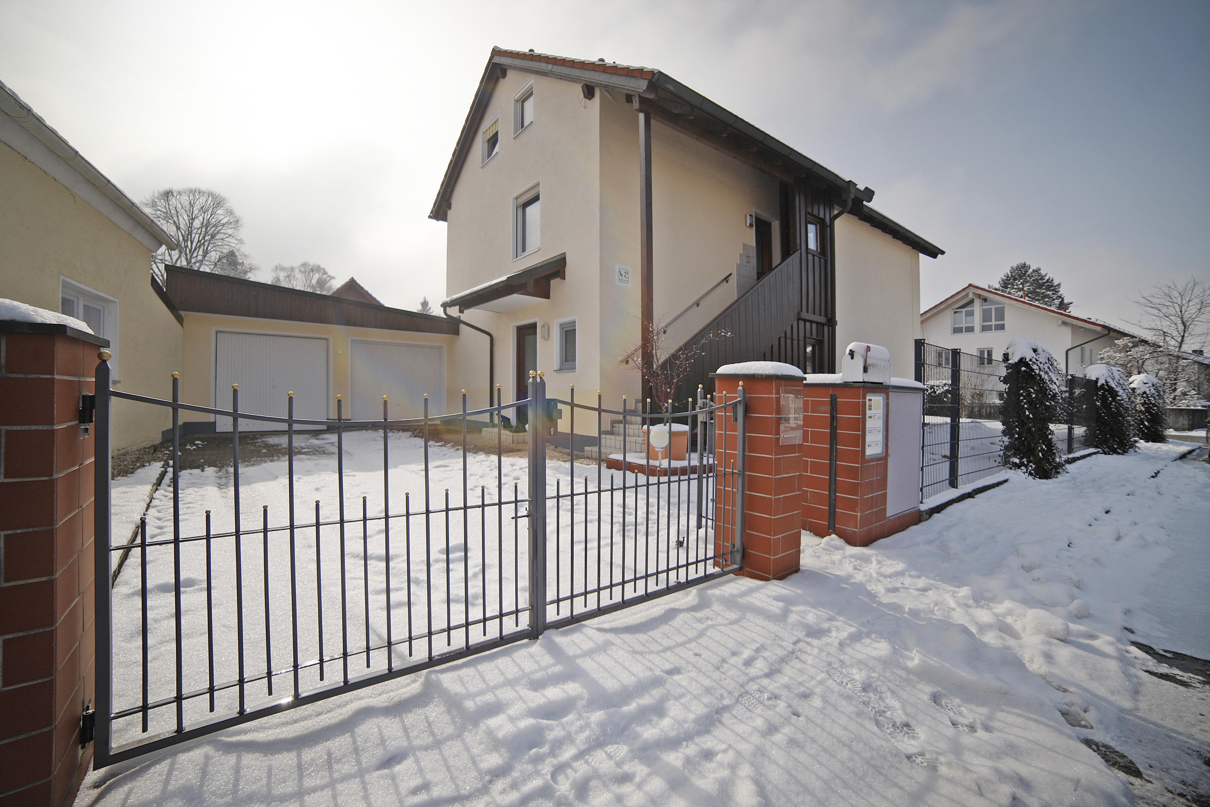 Vielseitig nutzbares Ein- bzw. Zweifamilienhaus in bevorzugter Wohnlage von Neubiberg